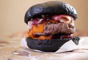 Мой отзыв доставке Burger Heroes. Заказал бургер Черная мамба