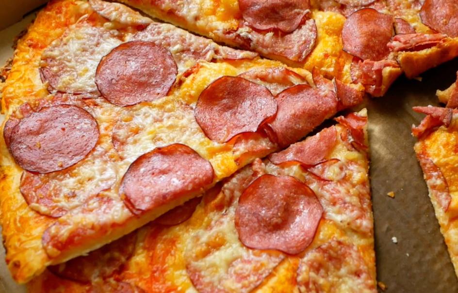 Обзор на бюджетные пиццы из магазина СПАР